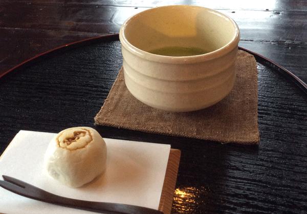 お茶菓子の写真