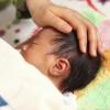 赤ちゃんが眠る画像