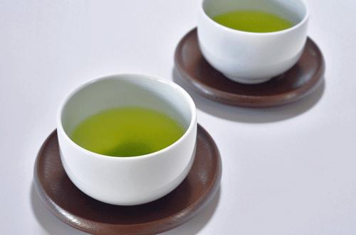 お茶の画像で背景が白ベース
