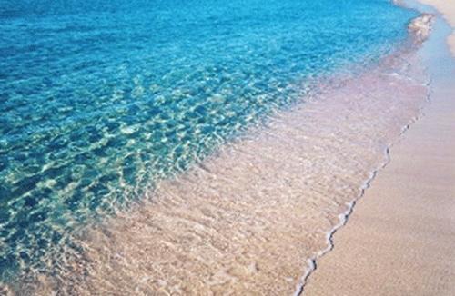 海と砂浜が綺麗な画像