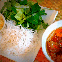 ベトナム料理ブンチャーの画像